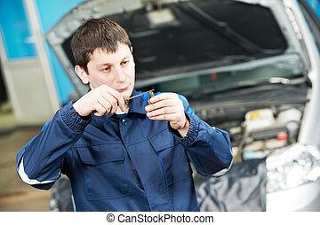 moteur, bouchon, mécanicien, voiture, inspection, jeter étincelles
