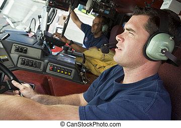 moteur, brûler, deux, pompiers, focus), (selective