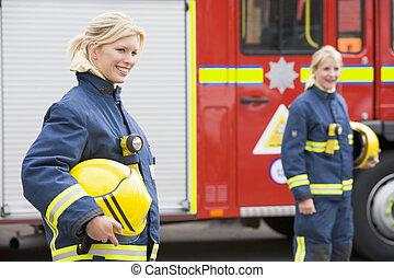 moteur, brûler, pompiers, deux, femme