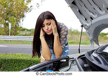 moteur, regarder, désespéré, cassé, elle, femme voiture