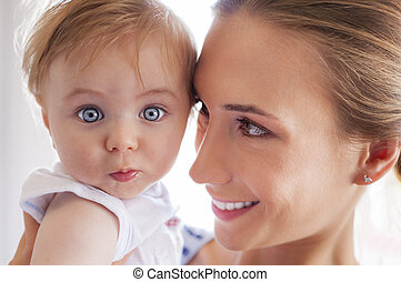 Mother baby eyes