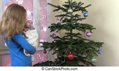 mother newborn christmas
