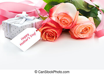 mothers day - Bouquet of roses and gift box with a mother's ...