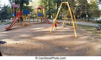 motion., plac gier i zabaw, dzieci, powolny