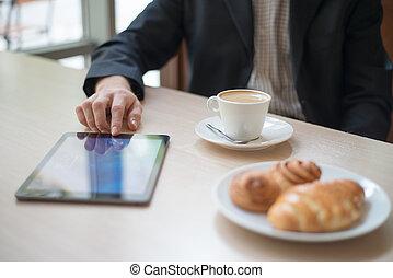 motning, lecture, tablette, informatique, nouvelles, café, homme