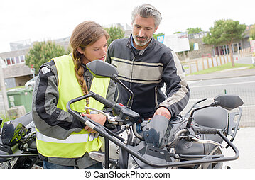 motocicletta, caratteristiche