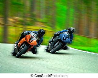 motocicletta corre