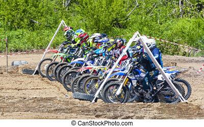 motocross, brud wyłguje się, praktyka, słoneczny, jeźdźcy, ich, rowery, dzień