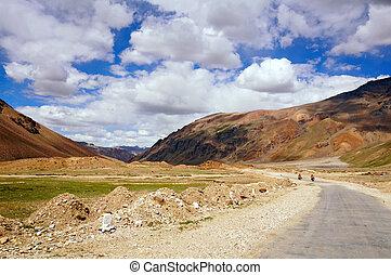 motocyclistes, montagne, deux, route