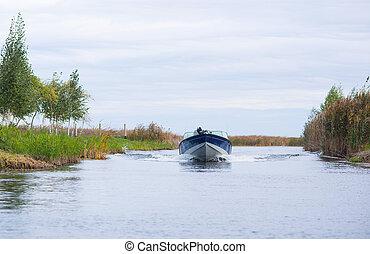 Motor aluminum boat