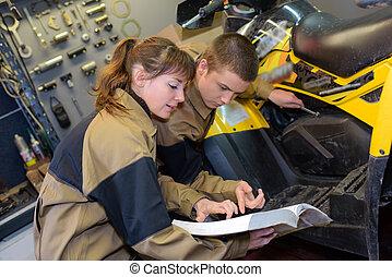 motor sport mechanics