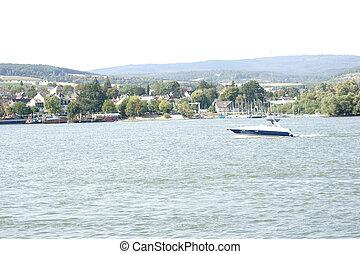 Motorboat at the Taunus