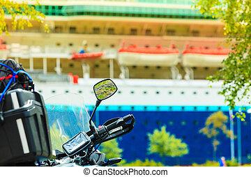 motorcycle, cruise, closeup, skib