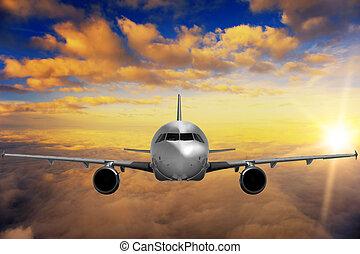 motorflugzeug, auf, sonnenuntergangshimmel