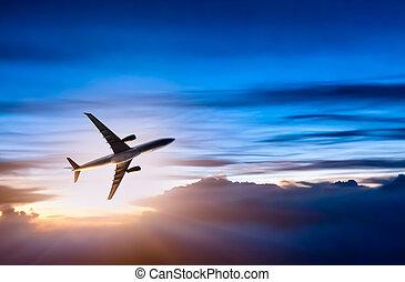 motorflugzeug, in, der, himmelsgewölbe, an, sonnenaufgang