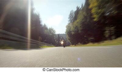 motorkerékpár fut