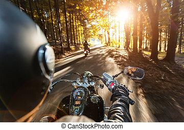 motorrad, treiber, reiten, auf, autobahn