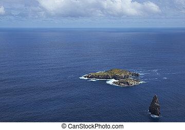 Motu Nui, Easter Island - Islands of Motu Nui and Motu Iti...