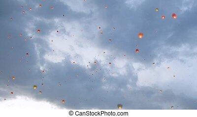 mouche, soir, nuages, beaucoup, ciel, contre, lanternes, céleste
