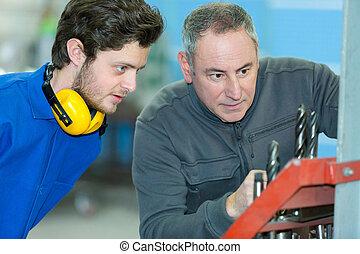 moudre, usine, machine, utilisation, mâle, ingénieur
