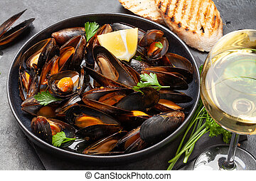 moules, fruits mer, traditionnel