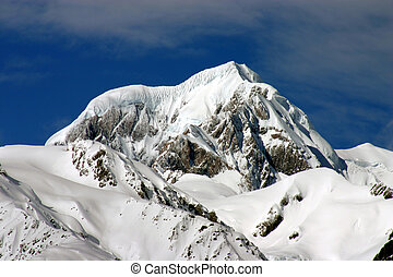 Mount Cook - New Zealand\'s highest mountain. South...