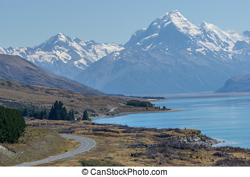 mount cook viewpoint with the lake pukaki and the road...