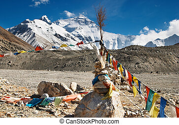 Mount Everest - Buddhist prayer flags and mount Everest