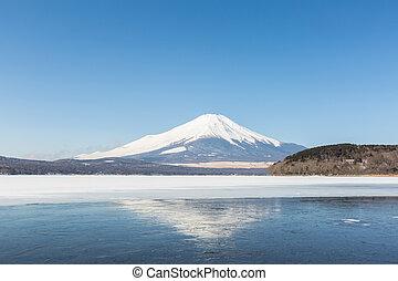 Mount Fuji Iced Yamanaka Lake - Mount Fuji at Iced Yamanaka ...
