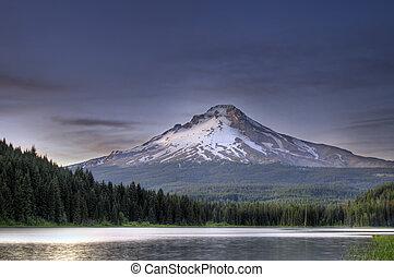 Mount Hood at Trillium Lake 5