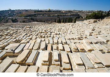 JERUSALEM, ISRAEL - 06 OCT, 2014: Old jewish graves on the mount of olives in Jerusalem