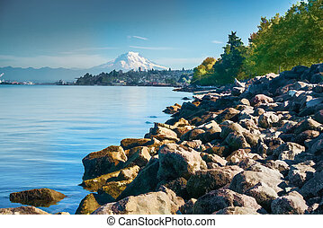 A view of Mount Rainier from Ruston, Washington.