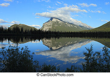 Mount Rundle and Vermilion Lakes - Evening light on Mount...