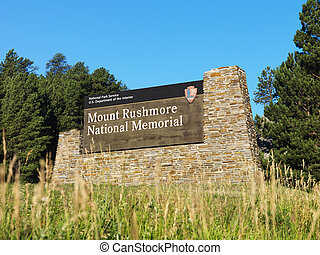 National Park Service sign for Mount Rushmore.