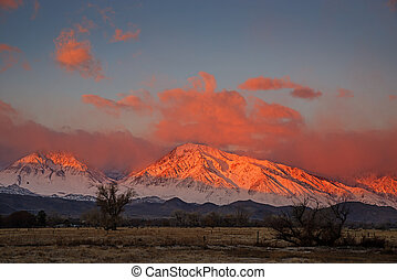 Mount Tom And Basin Mountain Sunrise