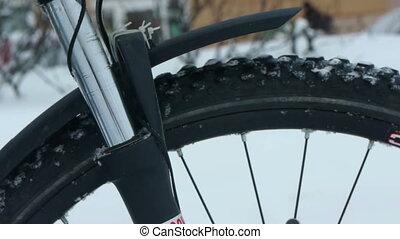 Mountain bike suspension fork winter test