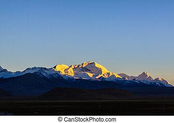 Mountain Everest, Tibet