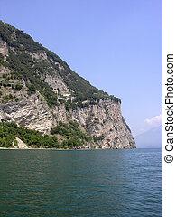 mountain - gara lake itlay