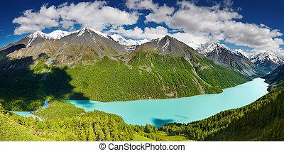 Mountain lake - Beautiful turquoise lake Kucherlinskoe in...