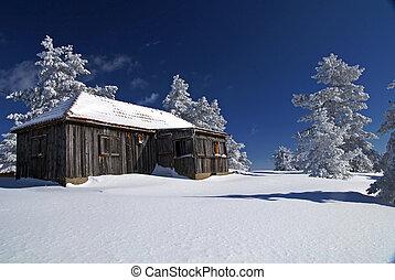 Mountain mountain house - Mountain house in snow, winter...