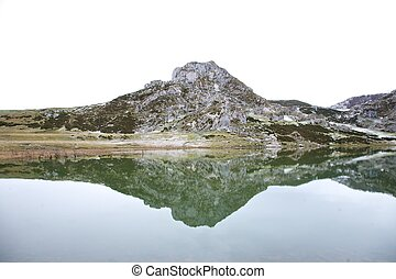 mountain reflected at the water