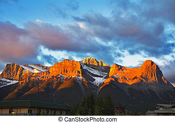 Mountain reserve Banff - In the morning the first snow in...