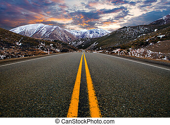 mountain road in new zealand, most popular traveling route in new zealand