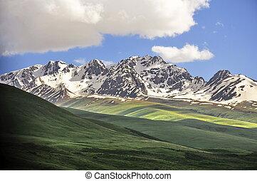 Mountain scenery in Kyrgyzstan - Dramatic mountain scenery ...
