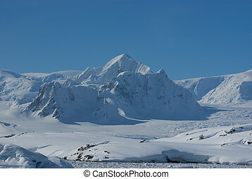 Mountain Shekelton in Antarctica.