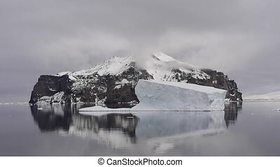 Mountain view in Antarctica - Mountain view travel on the...