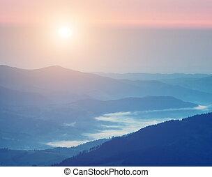 mountain., zonopkomst
