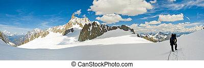 mountaineers on a Italian glacier (Mont Blanc Massif, Italian Alps)