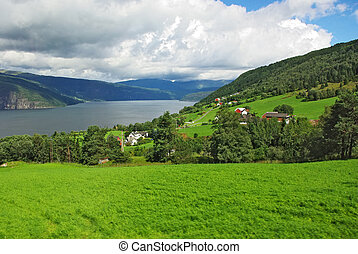 Mountainous landscape of northern Norway - Beautiful summer ...