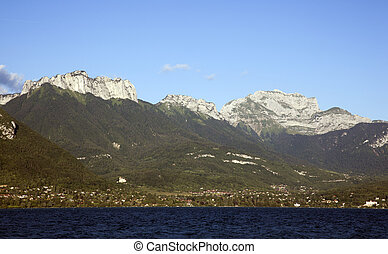 mountains nearby the lake of annecy